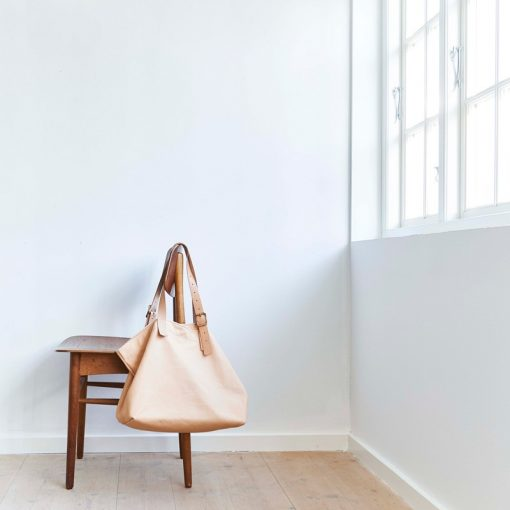 Tote bag in sustainable leather