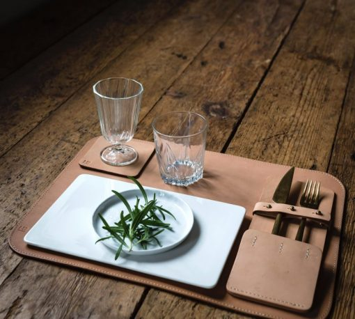 Large placemat made in sustainable leather