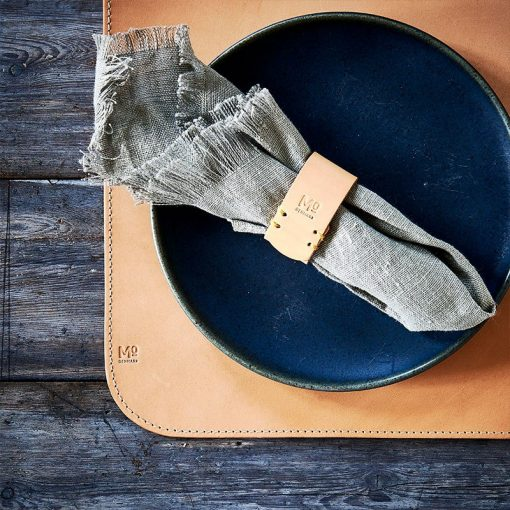 Placemat and napkin ring made in sustainable leather