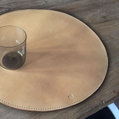 Rounded placemat with radius on 40cm made in sustainable leather